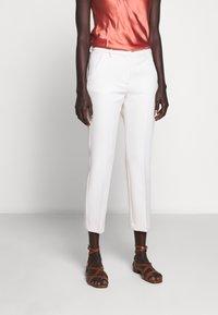 WEEKEND MaxMara - OPACO - Trousers - ivory - 0
