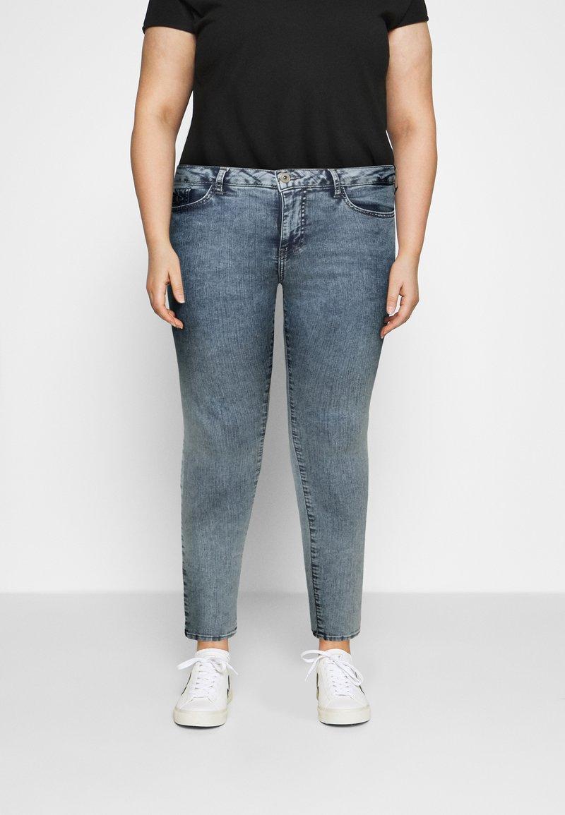 Zizzi - AMY SHAPE - Jeans Skinny Fit - stone washed