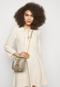 See by Chloé - Hana evenning bag - Handbag - motty grey - 1