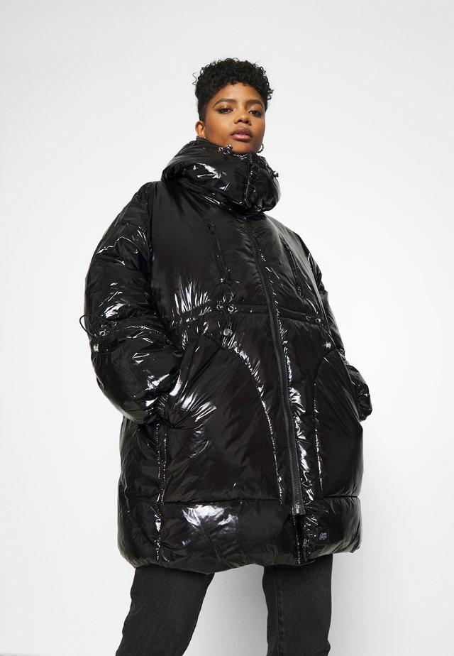 LONG PUFFER WITH HOOD - Talvitakki - black
