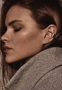 No More - BOLD FLAT EAR CUFF - Earrings - silver - 0