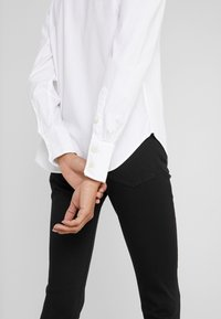 Polo Ralph Lauren - BRIA LONG SLEEVE - Košile - white - 3