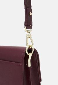 AIGNER - BAG - Across body bag - burgundy - 3