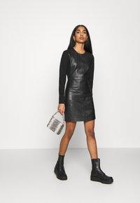 ONLY - ONLLENA DRESS - Denní šaty - black - 1