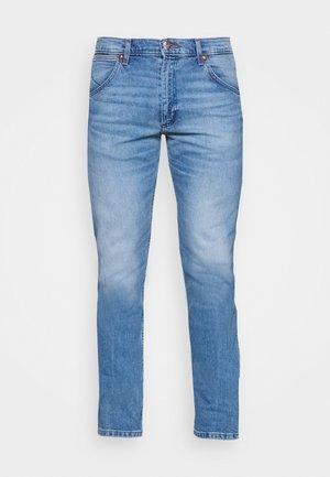 11MWZ - Jeans straight leg - the wrider