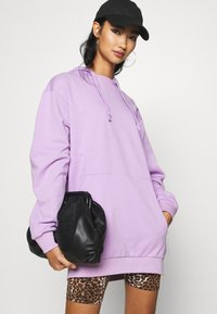 KENDALL + KYLIE - OVERSIZE HOODIE - Sweat à capuche - lilac - 3
