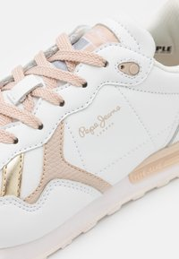 Pepe Jeans - BRITT BASS WOMEN - Trainers - white - 6