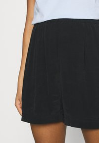 Weekday - EDVINA - Shorts - black - 4