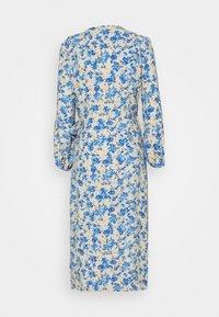 ONLY - ONLPIO LONG WRAP DRESS  - Vestido informal - humus/dazzling blue - 1