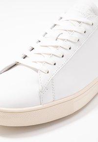 Clae - BRADLEY - Baskets basses - smu/white/olive gold - 9