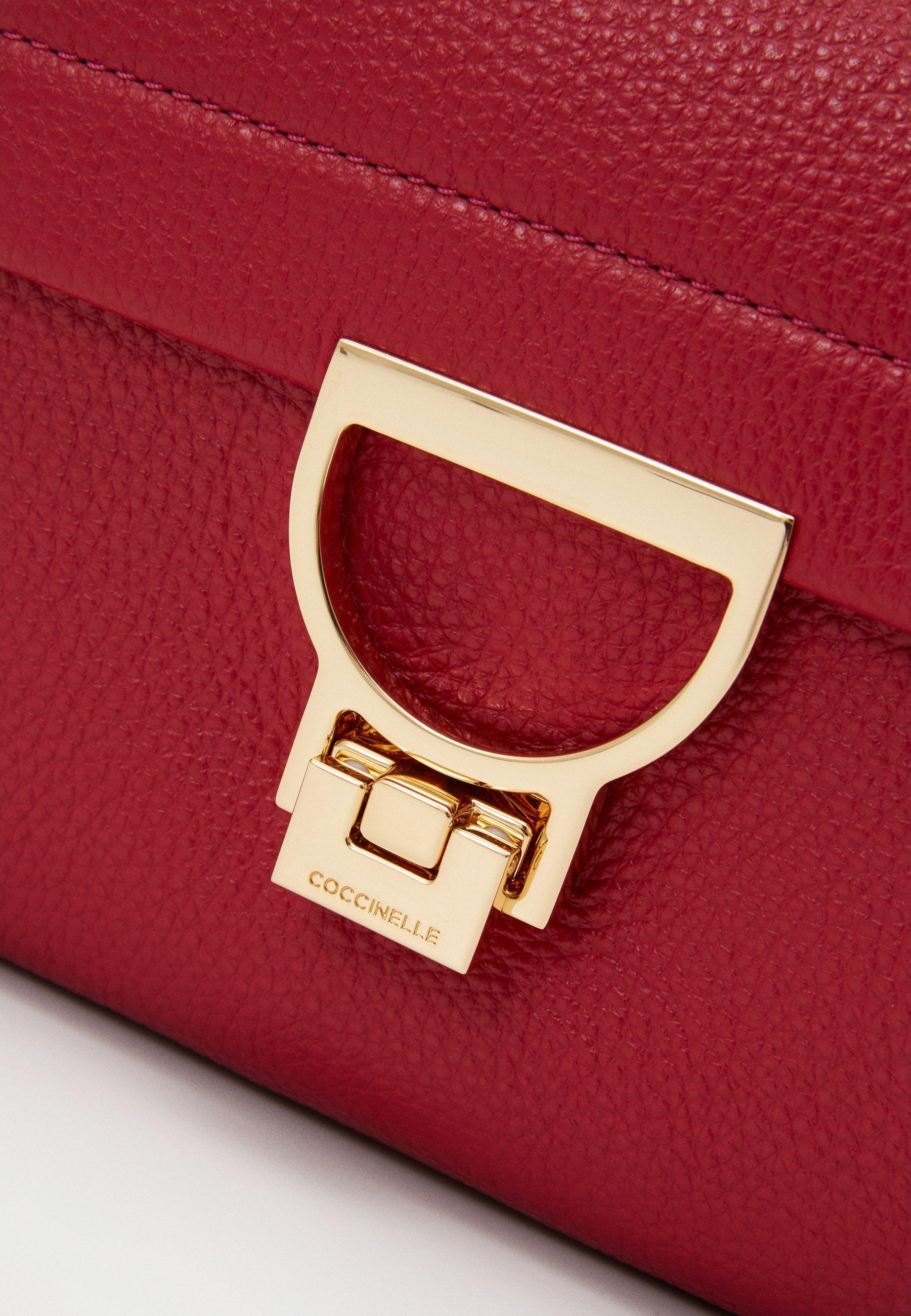 Coccinelle ARLETTIS - Handbag - cherry