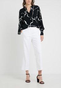 J.CREW - PEYTON PANT IN TRAVELER - Trousers - white - 0