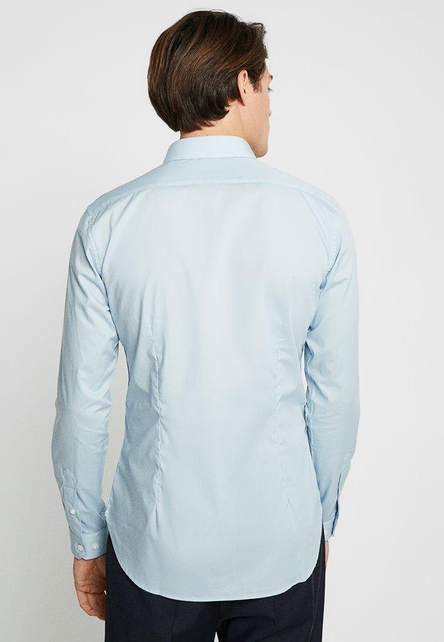 HANDFORD SLIM FIT - Formal shirt - morning sky