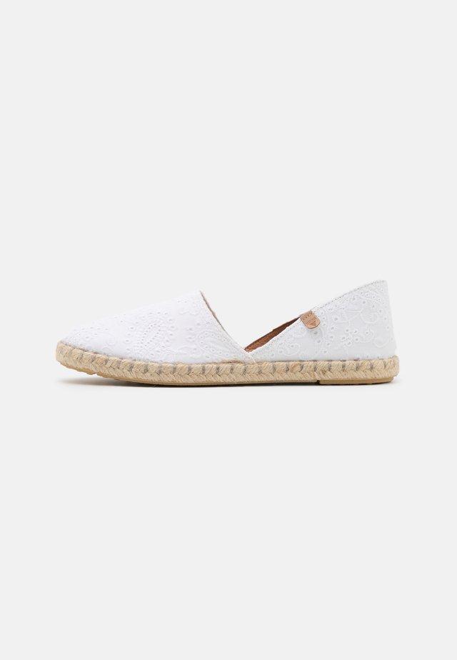 CARMEN - Loafers - blanco