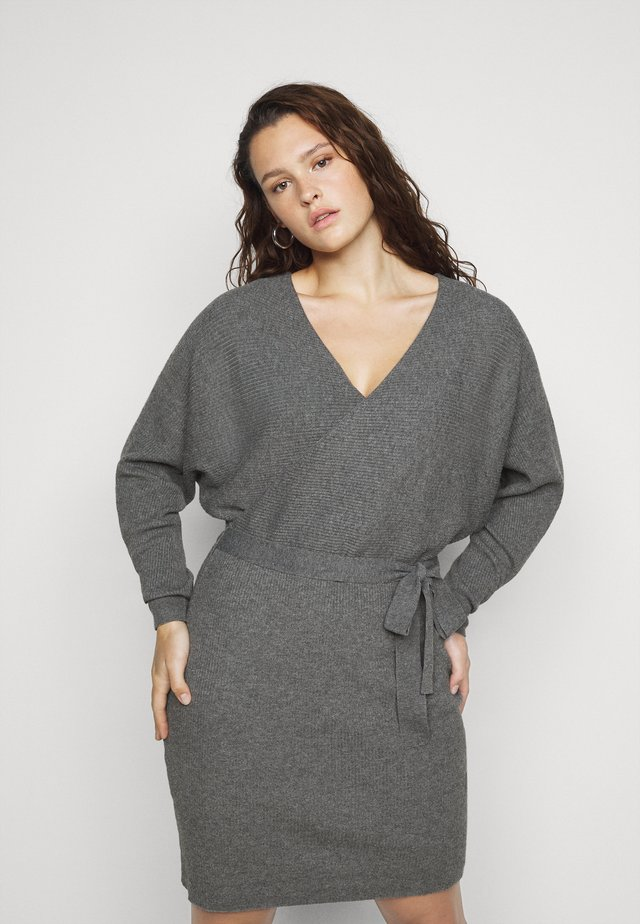 VMREM DRESS CURVE - Gebreide jurk - medium grey melange