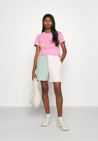 Cotton On - CLASSIC DISNEY - T-shirt con stampa - pink cherry blossom - 1