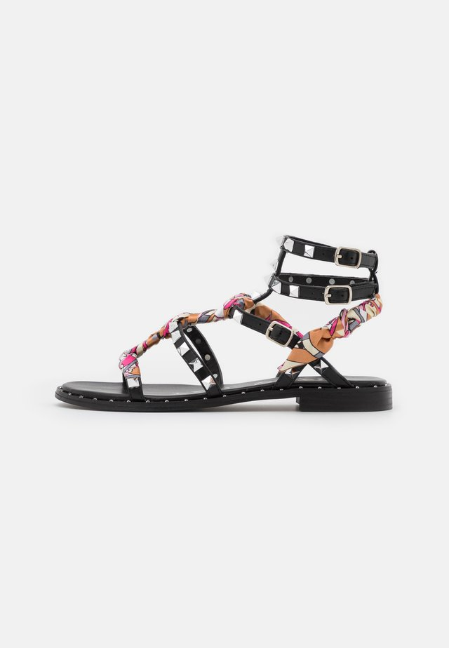 Sandały - nero/multicolor