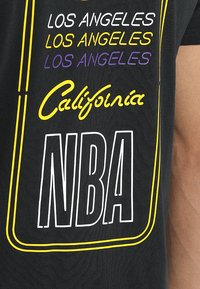 New Era - NBA LA LAKERS NEON LIGHTS TEE - Club wear - black - 5