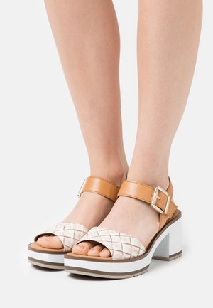Platform sandals - natur
