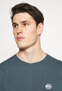 Smilodox - Print T-shirt - graublau - 3