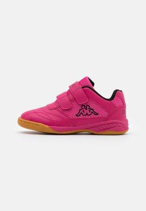 KICKOFF - Scarpe da fitness - pink/black