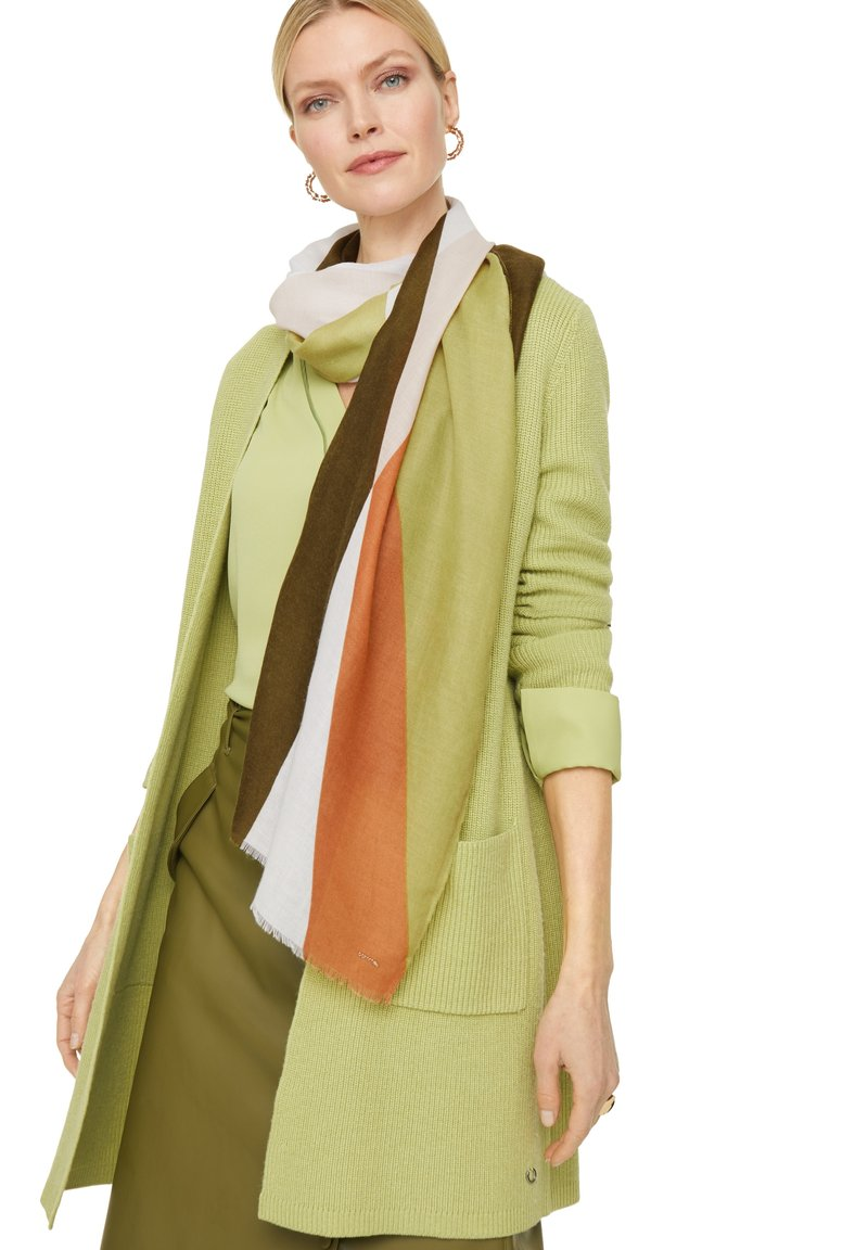comma - MIT STREIFENMUSTER - Scarf - spring green placed print