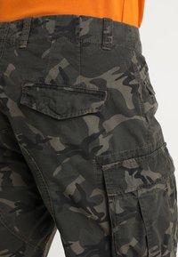 Superdry - CORE LITE RIPSTOP CARGO - Shorts - alpine camo - 5