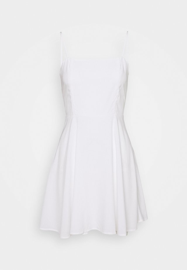 PAMELA REIF X NA-KD FLOWY MINI DRESS - Kjole - white