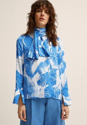 Blouse - blue print