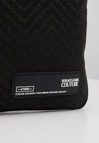 Versace Jeans Couture - Taška spříčným popruhem - black - 2