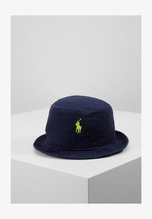 CHINO BUCKET HAT - Hat - navy/neon