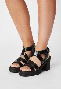 Buffalo - VEGAN RAGAN - Platform sandals - black - 0