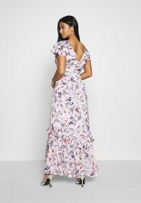 Forever New Petite - FLORAL PETITE - Długa sukienka - white - 2