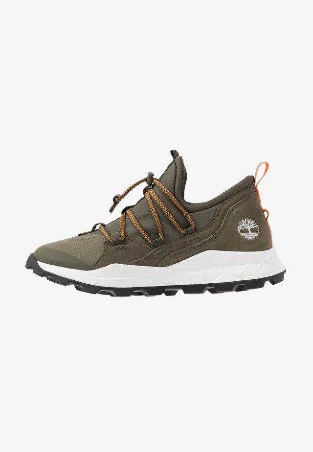 BROOKLYN - Sneaker low - grape leaf