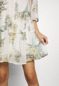Vero Moda - VMWONDA TUNIC - Day dress - birch - 7