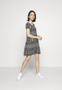 ONLY - BERA  - Jersey dress - cloud dancer/black aztek - 1