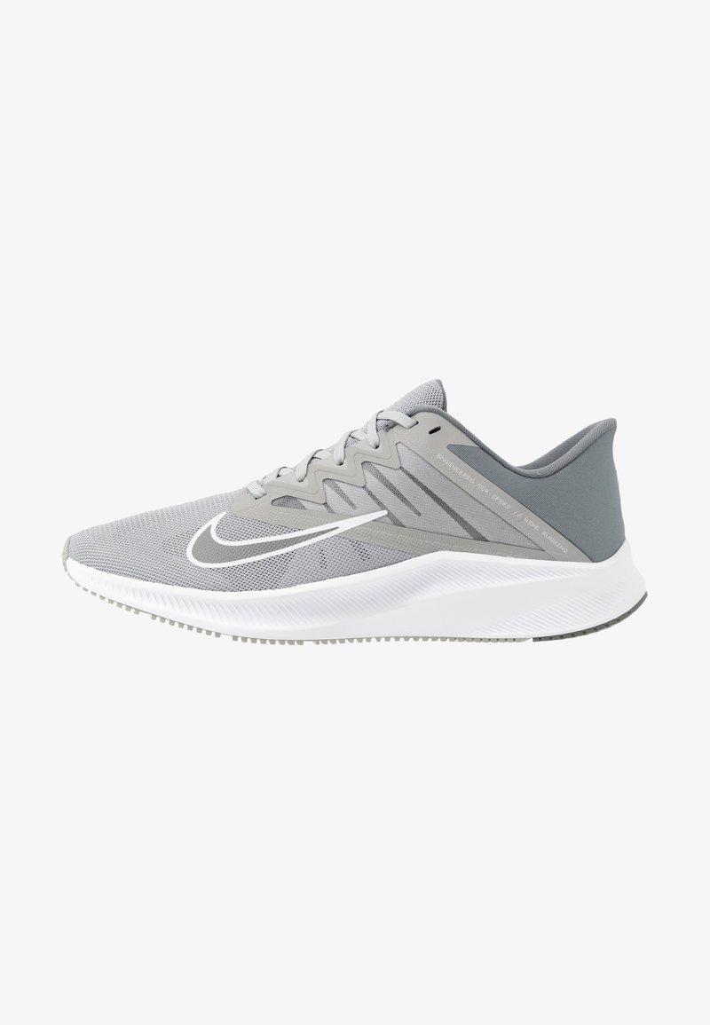 Nike Performance - QUEST 3 - Zapatillas de running neutras - light smoke grey/smoke grey/white
