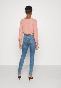 Weekday - BODY HIGH - Jeans Skinny Fit - bleecker blue - 2