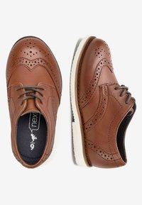 Next - TAN LEATHER BROGUES (YOUNGER) - Elegantní šněrovací boty - brown - 1