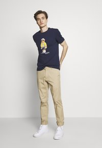 Polo Ralph Lauren - T-shirts print - cruise navy - 1