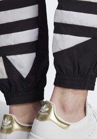 adidas Originals - Joggebukse - black - 5