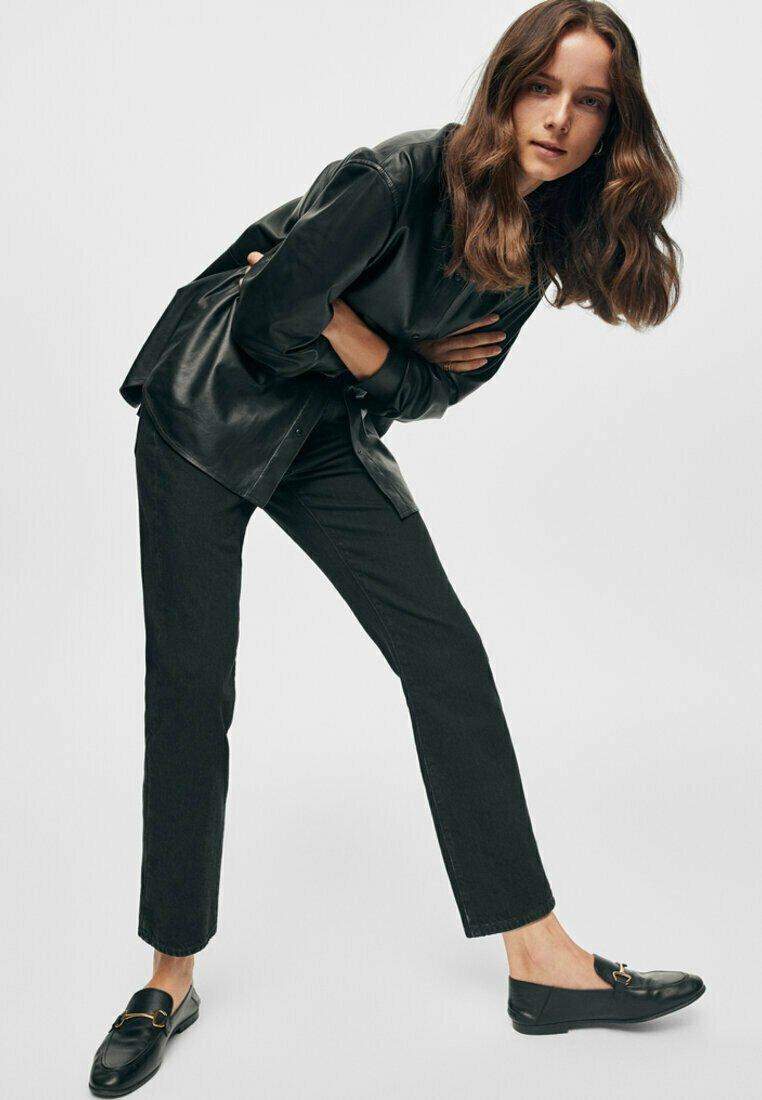 Massimo Dutti - GERADE GESCHNITTENE MIT HOHEM BUND  - Straight leg jeans - black