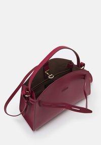 Furla - MARGHERITA TOP HANDLE - Handbag - ciliegia - 2