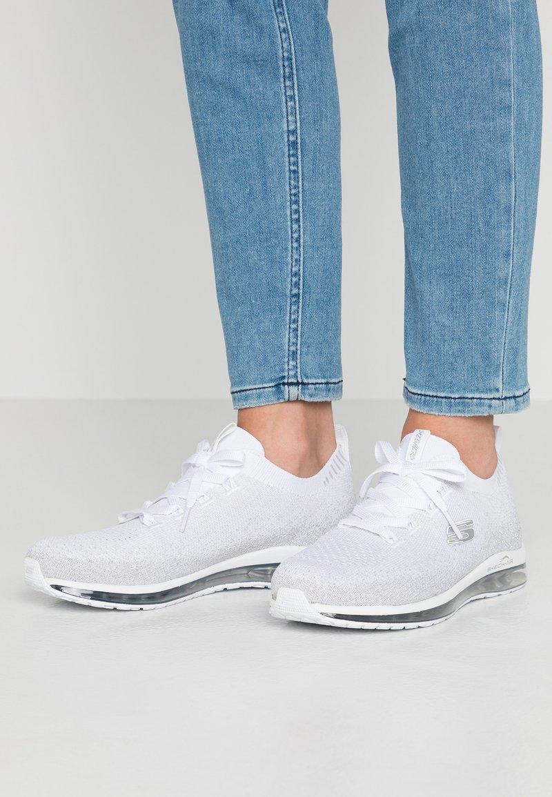 Skechers Sport - SKECH AIR  - Slip-ons - white/silver