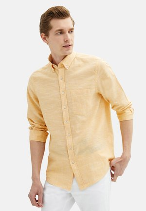 REGULAR FIT  - Shirt - yellow