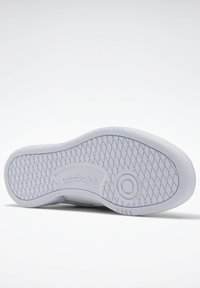 Reebok Classic - CLUB C 85 PRIDE PACK SHOES - Trainers - ftwr white/ftwr white/core black - 4