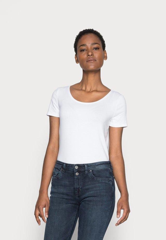 CORE  - Jednoduché triko - white