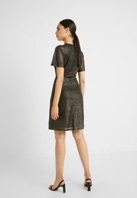 Dorothy Perkins Tall - KEYHOLE FIT AND FLARE - Cocktailkjole - bronze - 2