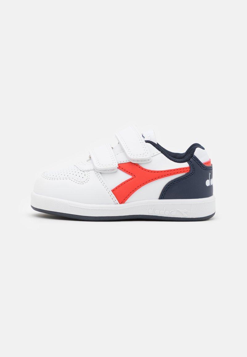 Diadora - PLAYGROUND UNISEX - Sports shoes - white/fiesta/black iris