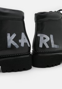KARL LAGERFELD - KADET HIKER BOOT - Lace-up ankle boots - black - 6